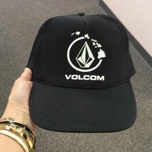 NWOT Volcom Trucker Hat